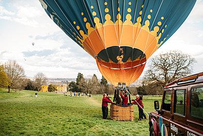 Bailey balloons hot air balloon taking off over Ashton court