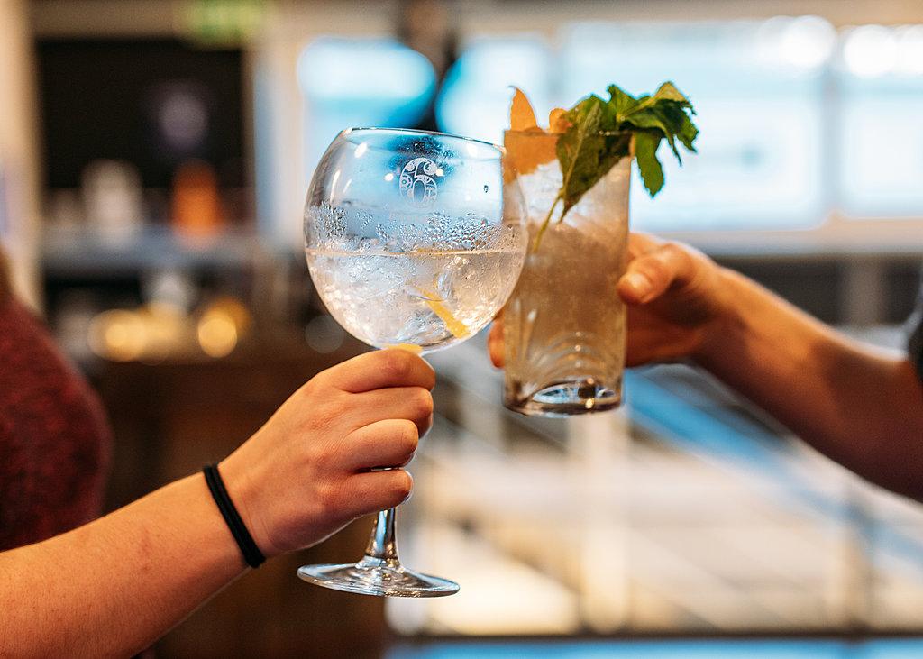 Virtual gin tasting with 6 O'clock Gin